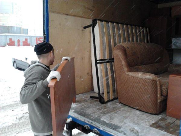 Перевозка мебели с грузчиком