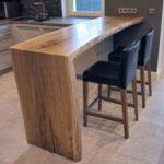 Барный стол для квартиры
